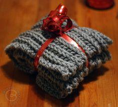 Pikainen tuubihuivi - LANKAHELVETTI Knitted Hats, Winter Hats, Beanie, Knitting Ideas, Beanies, Knit Hats, Beret