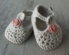 Knit Crochet Set of Bonnet Hat and Booties Baby di atelierbagatela