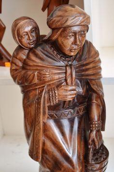 Artesanía en madera - San Antonio de Ibarra - Ecuador.