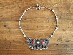 vintage silver collarbone necklace. $42.00, via Etsy.