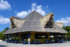palapa-building-thatched-roof-dominican-republic-4.jpg (600×400)