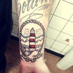 #tattoofriday - Andreia Mine: técnicas e estilos diferentes em sua tatuagens, em busca de um trabalho lúdico e mais autoral. São Paulo, SP;