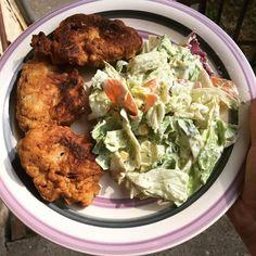 Csirkemell tócsni, vegyes salátával