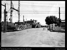 STREET SCENE STATION STREET BOX HILL LOOKING NORTH FROM RAILWAY GATES - Public Record Office Victoria