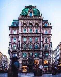 Vienna, Austria | Patrycja Kasprzycka |  Instagram: @p.kasprzycka | Website: kasprzycka.at | #vienna #austria #architecture Vienna, Austria, Big Ben, Times Square, Website, Building, Photography, Travel, Instagram