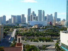 Downtown Miami Walk and Picnic in the Park #miamievents