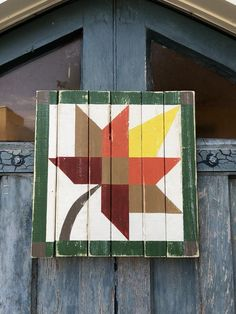 Items similar to Barn Quilt maple leaf - outdoor art - wood sign - door hanger - farmhouse - quilt pattern - wood sign - maple leaf - quilt - on Etsy Barn Quilt Designs, Barn Quilt Patterns, Quilting Designs, Farmhouse Quilts, Modern Farmhouse, Painted Barn Quilts, Barn Art, Autumn Art, Outdoor Art