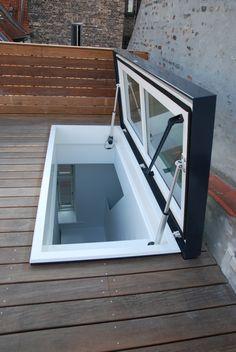 Una solución de acceso al techo aprovechando un traga luz.