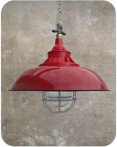 Iconic industrial lights | Commercial lighting | Metal fixtures