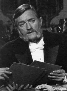 Eduardo Calvo Muñoz (Madrid, 26 de marzo de 1918 - Madrid, 13 de agosto de 1992) fue un actor español. A mediados de los 80 se había convertido en un veterano rostro habitual en TV, en el que a veces se le acreditaba como Yayo Calvo