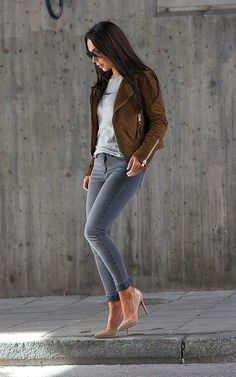 Via Inspiring outfit by Jean Outfits, Casual Outfits, Fashion Outfits, Womens Fashion, Brown Suede Jacket, Jeans Slim, Weekend Outfit, Perfect Woman, Casual Chic