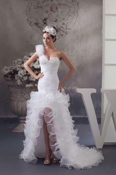 Beautiful wedding gown!