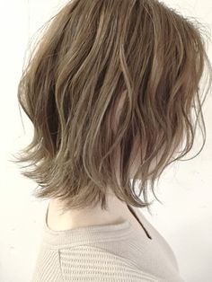 Pin by Majkl on Hair Style Short Bob Hairstyles, Hairstyles Haircuts, Medium Hair Styles, Curly Hair Styles, Sexy Makeup, Light Brown Hair, How To Make Hair, Eyes Lips Face, Hair Trends