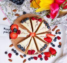 Vanilkový kuskusník. Skvělý lehký dezert. | Fitness007.cz Pina Colada, Pie, Breakfast, Ethnic Recipes, Desserts, Food, Torte, Morning Coffee, Tailgate Desserts