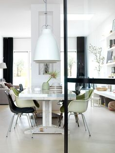 Dining Room Rules: Industrial Dining Room Lighting As The Key Fixture Dining Room Inspiration, Interior Design Inspiration, Sweet Home, Style At Home, Industrial Dining, Industrial Lighting, Dining Room Lighting, Caravaggio, Living Room Interior