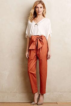 Bowtied Paperbag Crops in Orange. You read my mind Anthro. Baggy Pants, Trousers, Estilo Glamour, Type Of Pants, Vogue Fashion, Workwear Fashion, Plus Size Jeans, Classy Outfits, Passion For Fashion