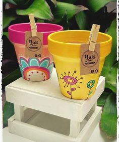 Idea Of Making Plant Pots At Home // Flower Pots From Cement Marbles // Home Decoration Ideas – Top Soop Flower Pot Crafts, Clay Pot Crafts, Diy Home Crafts, Painted Plant Pots, Painted Flower Pots, Pots D'argile, Clay Pots, Succulent Gardening, Garden Pots