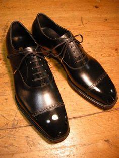 Punched Cap Toe : Bolero Bespoke shoe & Bootmaker