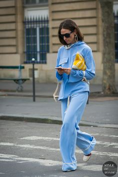 Yellow clutch Street Style | Erika Boldrin by STYLEDUMONDE Street Style Fashion Photography