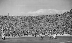 Hibernian 4 Rangers 1 in April 1951 at Easter Road. Lawrie Reilly scores infront of the plus crowd in the Scottish Division. Hibernian Fc, Paisley Scotland, Rangers Football, European Cup, Football Pictures, Football Stadiums, Back In The Day, Glasgow, Dolores Park