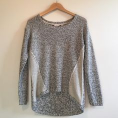 💋HOST PICK! RD Style Sweater Analisa Twisted Seam Very cute worn once no flaws - purchased at Von Maur.   🔹🔷Open to offers, or bundle for discounts! Buckle Sweaters Crew & Scoop Necks