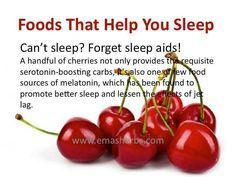 Your choice of late-night snack could mean the difference between restless insomnia and deep, health-promoting sleep. Here are the top five foods experts recommend to beat insomnia and send you to sleep. Get Healthy, Healthy Tips, Healthy Choices, Healthy Late Night Snacks, Healthy Snacks, Eating Healthy, Healthy Holistic Living, Healthy Living, Health And Wellbeing