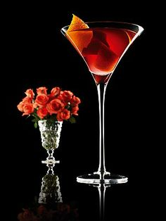 Oscar home-viewing party idea: the Red Carpet Rosie cocktail. Click to see full recipe: http://bit.ly/wvfWAB