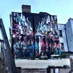#london #londongraffiti #londongraffitiart #londonstreetart #lookup #streetart #streetartlondon #graffiti #graffitiart #londonlife #londonlifeinc #clerkenwell