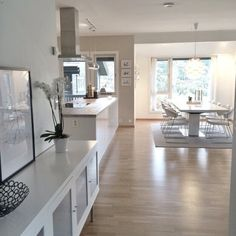 Image about white in Dream Home/Interior by Fashion and beauty Open Plan Kitchen Living Room, Home Living Room, Living Room Decor, Interior Design Living Room, Living Room Designs, Küchen Design, House Design, Home Decor Inspiration, Kitchen Decor