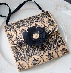 gift card holder  Actual post: http://www.twopaperdivas.com/2011/08/freebie-friday-purse-gift-card-holder.html