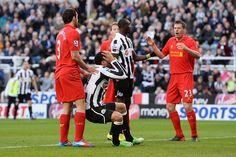 Pertandingan Liga Primer Inggris untuk kali ini akan mempertemukan Newcastle vs Liverpool yang akan digelar Pada hari Sabtu (19/10/2013) di St James' Park dan akan disiarkan LIVE di Bein Sport 3 Pukul 18:00 WIB.