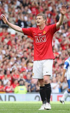 16 - Ole Gunnar Solskjaer - 126 Goals/Games 366. Football Boots, Football Team, Manchester United Top, Man Utd Squad, Bristol Rovers, Astro, Professional Football, Old Trafford, Red Army