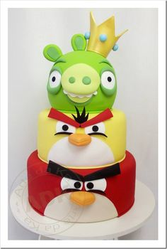 Angry Birds Cake by Arte da Ka Torta Angry Birds, Cumpleaños Angry Birds, Angry Birds Birthday Cake, Bird Birthday Parties, Birthday Cakes, Birthday Ideas, Bird Cakes, Cupcake Cakes, Beautiful Cakes