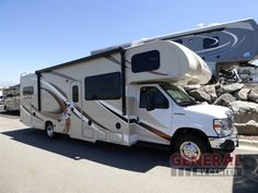 Entertain Your Family And Guests While Traveling In The New 2017 Thor Motor Coach Four Winds 31W Motor Home Class C at General RV | Draper, UT | #137813