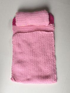Free Crochet Doll Dress Patterns - Hobbies and Crafts World Crochet Doll Clothes, Doll Clothes Patterns, Doll Patterns, Crochet Doll Pattern, Crochet Dolls, Crochet Patterns, Crochet Ideas, Knitting Patterns, Cute Crochet