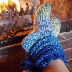 Concentric Slipper Socks Knitting pattern by Michele Bernstein Knitted Slippers, Slipper Socks, Magic Loop, Knitting Socks, Knit Socks, Quick Knits, Lang Yarns, Cascade Yarn, Tricot