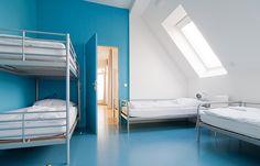 berlin 2008 - ronald s. lauder foundation - jewish - linoleum - bold - colors - blue - shared room - bedroom - zimmer - hochbett - blau