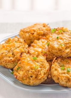"Cauliflower ""Biscuits"" -- Low calorie and gluten free alternative. Now, I'm not saying these are real biscuits but they taste pretty darn good and are easy to make. Replace cornstarch with guarkernmehl or unflavored Protein powder Low Carb Recipes, Cooking Recipes, Healthy Recipes, Healthy Appetizers, Skinny Recipes, Rice Recipes, Delicious Recipes, Easy Recipes, Snack Recipes"