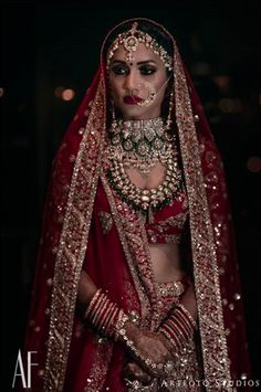 51 Most Beautiful Indian Bridal Makeup Looks and Clothing Ideas - Dulhan Images - AwesomeLifestyleFashion Indian Bridal Outfits, Indian Bridal Lehenga, Indian Bridal Fashion, Indian Bridal Makeup, Indian Wedding Jewelry, Indian Bridal Wear, Bridal Jewelry, Indian Weddings, Indian Wear
