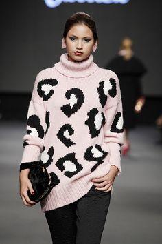 Lima Fashion Week | Jessica Butrich en LIFWeek OI'15 Runway #Lima #fashion #moda #women #runway #desfile #JessicaButrich #lifweek #limafashionweek | LIFweek OI'15