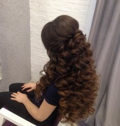 20 Chic Wedding Hairstyles for prom 2019 – Hair Styles Quince Hairstyles, Wedding Hairstyles For Long Hair, Elegant Hairstyles, Wedding Hair And Makeup, Pretty Hairstyles, Bridal Hair, Hair Makeup, Sweet 16 Hairstyles, Makeup Hairstyle