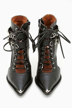 Jeffrey Campbell Ravier Bootie (I like the idea of wearing the tough shoes with some of the fluffier dresses) Bootie Boots, Shoe Boots, Ankle Boots, Shoes Heels, Prom Shoes, Louboutin Shoes, Converse Shoes, Dress Shoes, Jeffrey Campbell