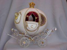 Enclosed pearl coach