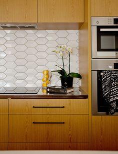 Architect Eva Nash's own home renovation - Homes To Love Home Kitchens, Wooden Kitchens, Kitchen Upgrades, Kitchen Renovations, Bungalow Renovation, Inside Home, Updated Kitchen, Own Home, Home Remodeling
