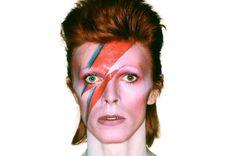 """David Bowie promete músicas inéditas """"em breve"""""""