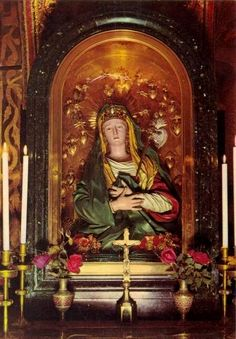 allaboutmary: The Catholic altar of the Mater Dolorosa in the church of the Holy Sepulchre in Jerusalem.The statue was presented to the church by queen Maria I of Portugal in Catholic Altar, Roman Catholic, La Madone, Dome Of The Rock, Church Pictures, Mama Mary, Our Lady Of Sorrows, Holy Mary, Blessed Virgin Mary