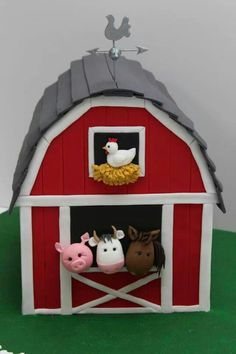 Barn Cake Farm Animal Cakes, Farm Animal Party, Barnyard Party, Farm Party, Farm Birthday, 2nd Birthday Parties, Barn Cake, Fondant Animals, Barn Parties