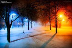 Hier zie je duidelijk het koude-warm contrast in terug. Links zie je de koude blauwkleurige lamp en rechts zie je de warme oranjekleurige lamp.