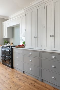 The Wild Wood Kitchen is an example of a handcrafted Shere Kitchen to show the craftmanship of our work and give you ideas for your bespoke kitchen Kitchen Cabinets That Sit On Countertop, Kitchen Cabinet Makers, Kitchen Cabinet Remodel, Kitchen Cabinet Colors, Kitchen Units, Upper Cabinets, Painting Kitchen Cabinets, Kitchen Ideas, Kitchen Storage