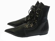 Vintage John Fleuvog black leather ankle boots with winklepicker toes, made in England Fab Shoes, Me Too Shoes, Black Leather Ankle Boots, Black Shoes, Goth Boots, Gothic Shoes, Fashion Catalogue, Pretty Outfits, Pretty Clothes